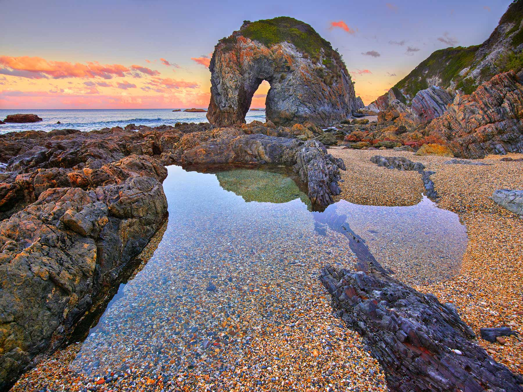 Beautiful detail in this tranquil view of Horse Head Rock, NSW, Australia.