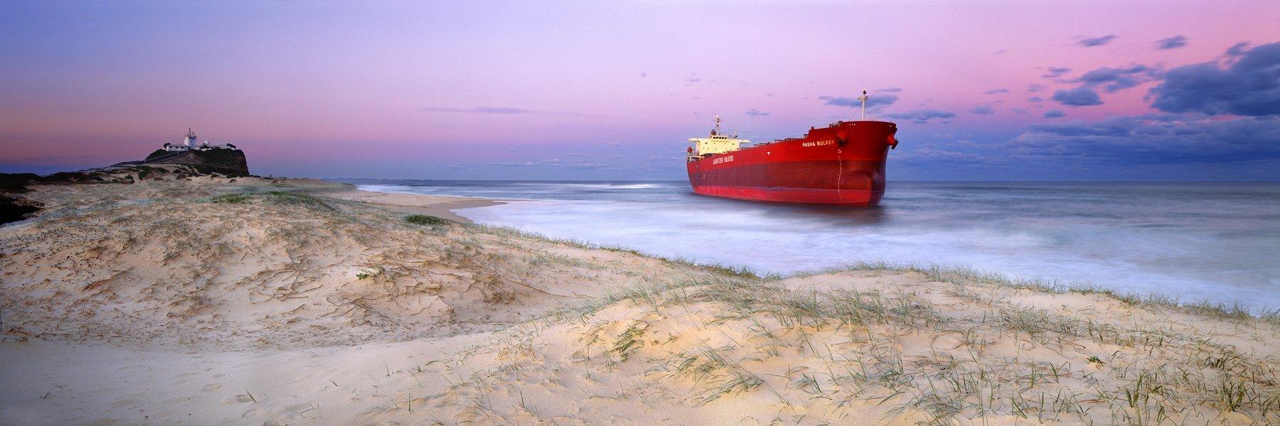 Pasha Bulker, Stranded, Nobbys Beach, NSW