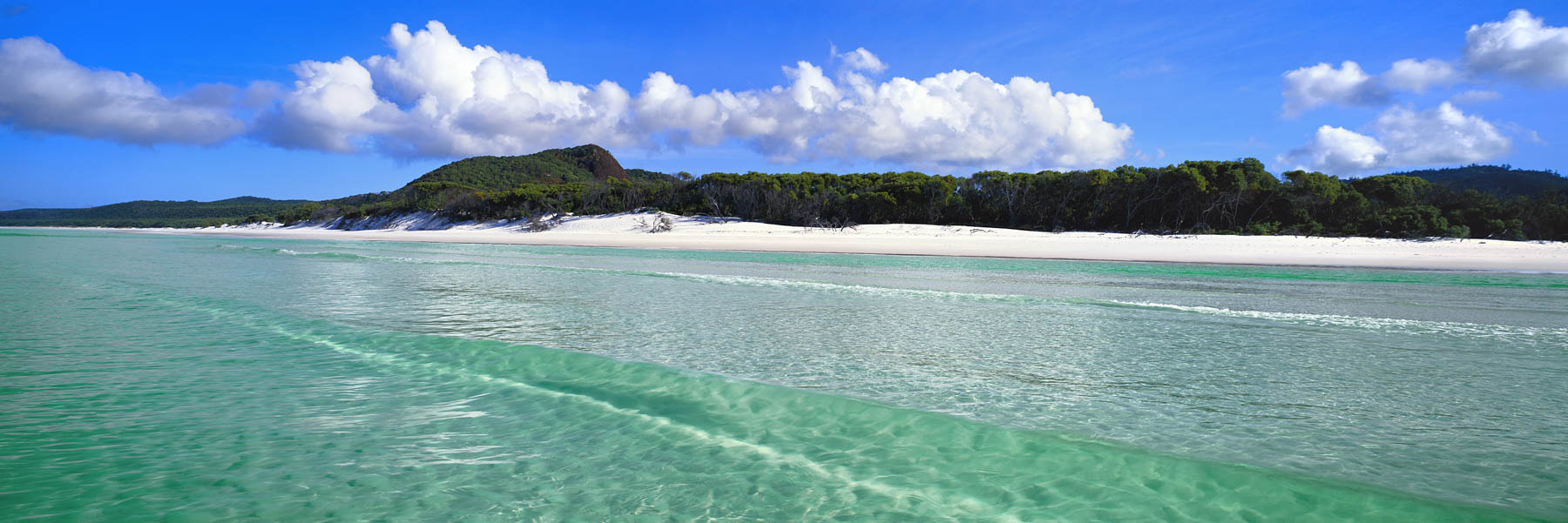 Turquoise water of Whitehaven Beach, Whitsunday Islad, Qld, Australia.