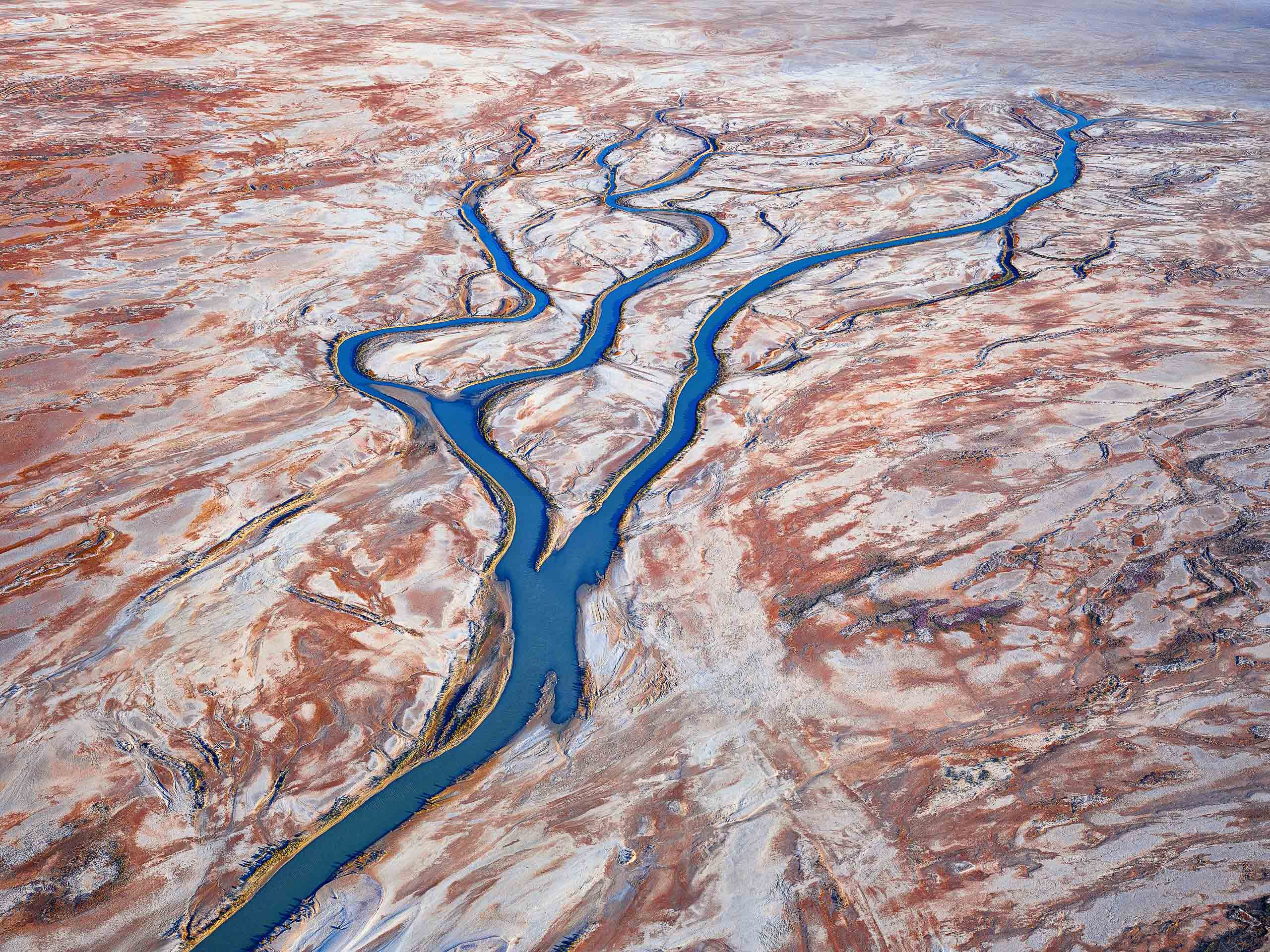 Flood waters flowing towards the northern end of Lake Eyre, SA, Australia.
