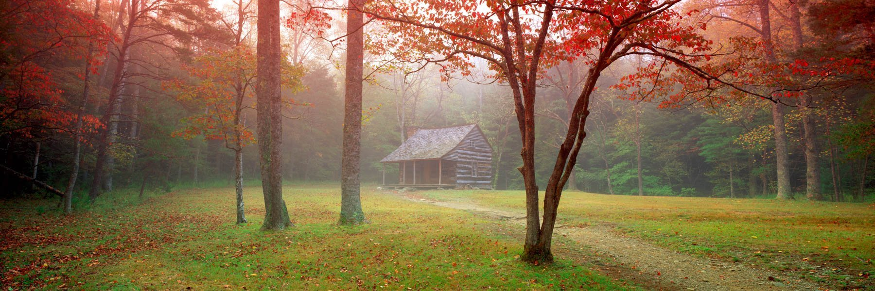 Historic Carter Shields Cabin, Great Smoky Mountains, Tennessee, USA.